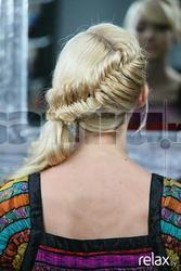 Плетение,  причёски ,  окраска.