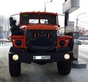 Автомобиль Урал седельный тягач